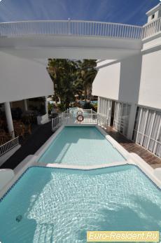 Апартамент в Costa Adeje на первой линии.
